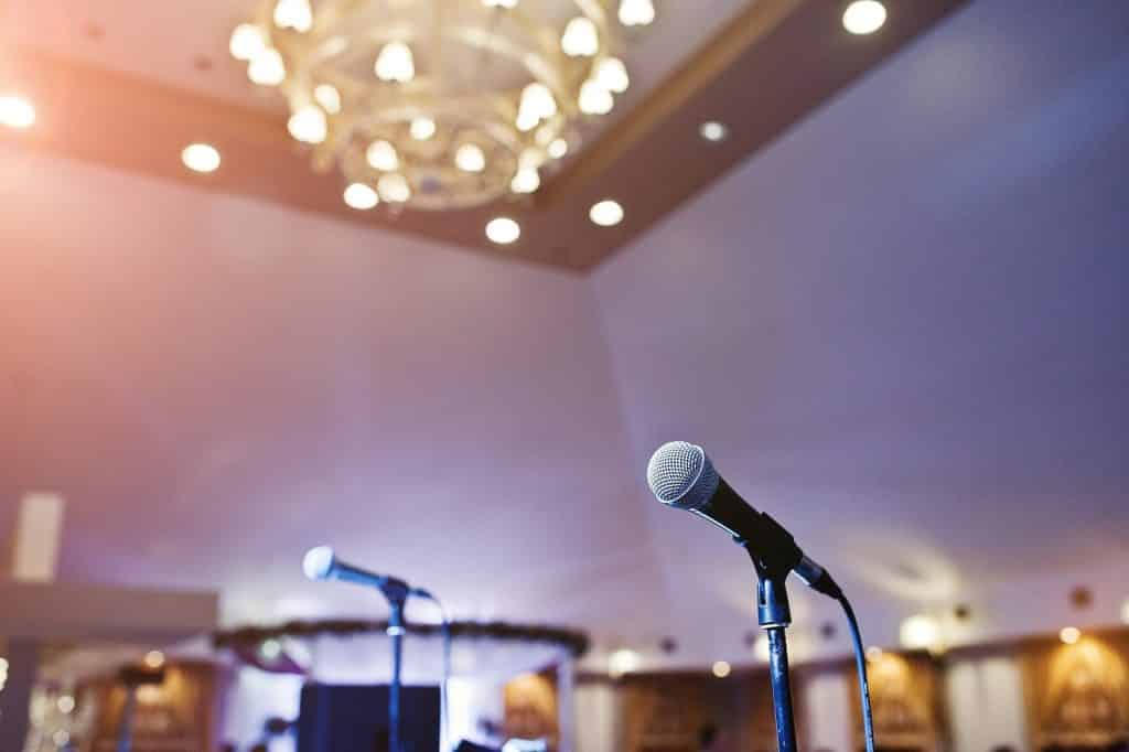 Classic Public Speaking Blunders Everyone Needs to Unlearn