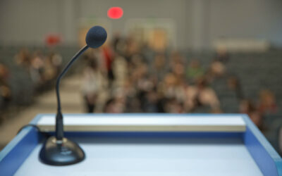 Public Speaking: How to Use Pauses to Your Advantage